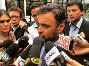 Com Aécio Neves na coletiva sobre a posição do PSDB nas eleições das Mesas do Congresso Nacional